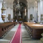 1280px-Dumbraveni_church_inside
